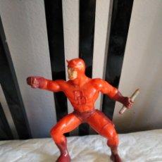 Figuras y Muñecos Marvel: FIGURA DAREDEVIL 1996 MARVEL YOLANDA , 10 CM. SE VENDE TAL CUAL ESTÁ EN LA FOTO. Lote 157256450