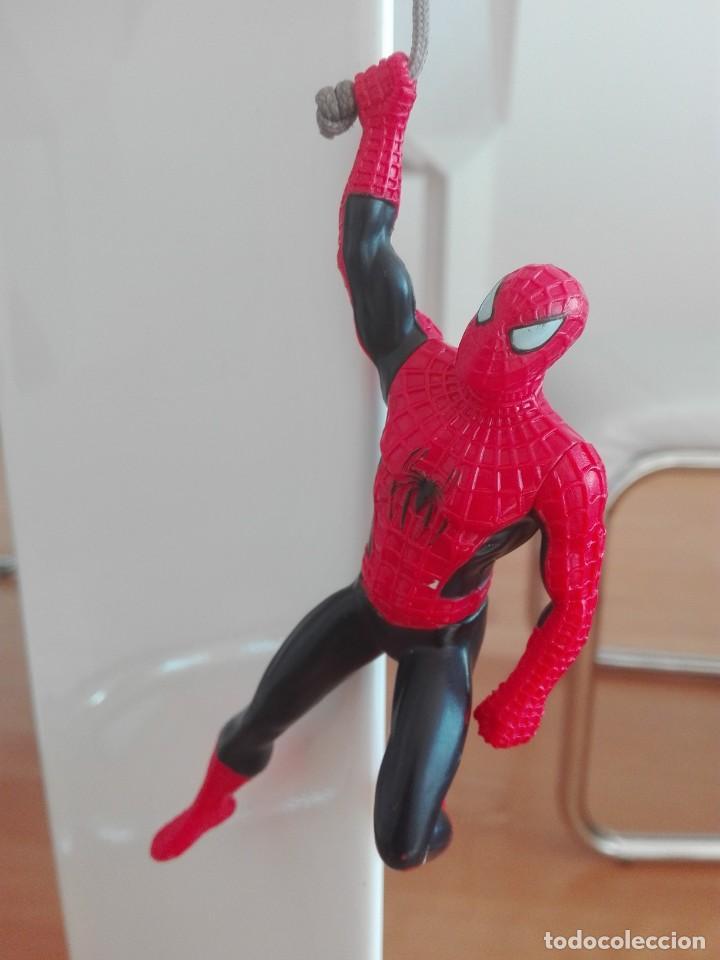 SPIDERMAN MARVEL FIGURA ARTICULADA COLGANTE MUY RARA (Juguetes - Figuras de Acción - Marvel)