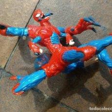 Figuras y Muñecos Marvel: RARA FIGURA SPIDER-MAN TRANSFORMÁNDOSE, GIRA Y MUEVE LAS ARTICULACIONES. UNOS 15 CM DE ALTA. Lote 166180818