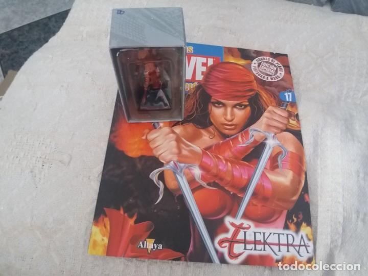 MARVEL SUPER HEROES FIGURA PLOMO ELEKTRA BLISTER CON FASCÍCULO N 17 ALTAYA (Juguetes - Figuras de Acción - Marvel)