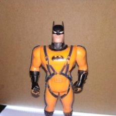 Figuras y Muñecos Marvel: IMPRESIONANTE FIGURA DE BATMAN DE KENNER DC CÓMICS 1993. Lote 175640440