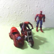 Figuras y Muñecos Marvel: LOTE SPIDERMAN 2 FIGURAS Y MOTO. Lote 185687050