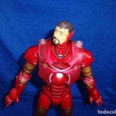 Figuras y Muñecos Marvel: IRON MAN MARVEL AÑO 2007,MIDE 30 CM, FUNCIONANDO VER FOTOS! SM. Lote 194568728