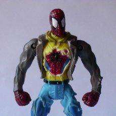 Figuras y Muñecos Marvel: FIGURA ARTICULADA SPIDERMAN MARVEL TOY BIZ 14 CMS. Lote 196221683