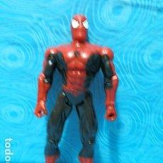 Figuras y Muñecos Marvel: FIGURA SPIDERMAN TRAJE NEGRO-ROJO, MARVEL 1997. Lote 196755668