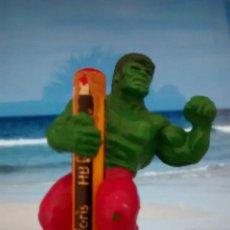 Figuras y Muñecos Marvel: FIGURA DE HULK SUJETALAPICES (MARVEL). Lote 209779182