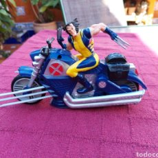 Figuras y Muñecos Marvel: FIGURA DE ACCIÓN LOBEZNO CON MOTO ELECTRÓNICO HASBRO MARVEL 2008/X-ME, MUTANTES, PATRULLA X ,LOGAN. Lote 220239640