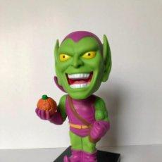 Figuras y Muñecos Marvel: FUNKO GREEN GOBLIN MARVEL COMICS WACKY WOBBLER BOBBLE HEAD 2008 MARVEL, POPLAND. Lote 222686080
