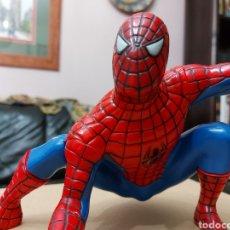 Figuras y Muñecos Marvel: FIGURA DE ACCIÓN SPIDERMAN (BOTE DE COLONIA O CHAMPÚ)/SUPER HEROE MARVEL. Lote 237021855