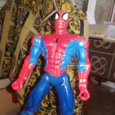 Figuras y Muñecos Marvel: SPIDERMAN FIGURA 30 CM MARVEL 2000. Lote 237546540