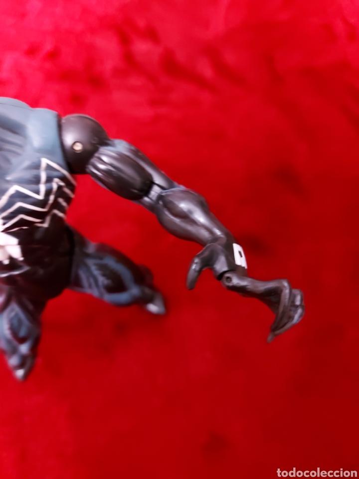 Figuras y Muñecos Marvel: FIGURA DE ACCIÓN VENOM ARTICULADA TOY BIZ 2005 MARVEL/MONSTRUO SIMBIONTE/SPIDERMAN - Foto 6 - 237556430