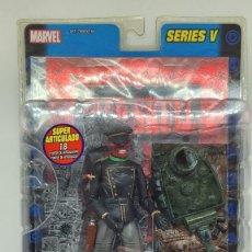 Figuras y Muñecos Marvel: MARVEL LEGENDS CRANEO ROJO. RED SKULL. SERIES V. 2004. FAMOSA.. Lote 242490820