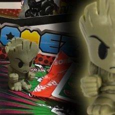 Figurines et Jouets Marvel: JUEGO MARVEL BOOMEZ THE GROOT BRILLA EN LA OSCURIDAD DADO Y CARTA. Lote 272014963