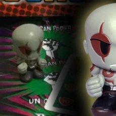 Figurines et Jouets Marvel: MARVEL BOOMEZ DRAX BRILLA EN LA OSCURIDAD CON DADO Y CARTA. Lote 272015103