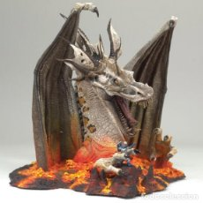 Figuras y Muñecos Mcfarlane: FIRE DRAGON CLAN 5 MCFARLANE'S DRAGONS SERIES 5: THE FALL OF THE DRAGON KINGDOM DELUXE ACTION FIGURE. Lote 121246939