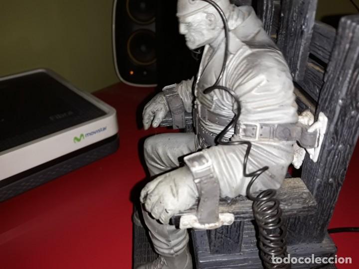 Figuras y Muñecos Mcfarlane: Frank Miller Sin City Dead Mc farlane 2000 Funciona perfecto - Foto 3 - 165314642