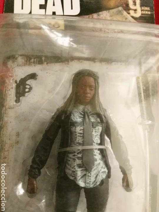Figuras y Muñecos Mcfarlane: Michone Walking Dead zombie figura Neca Mezco Mcfarlane - Foto 2 - 165448676