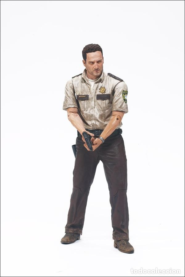 Figuras y Muñecos Mcfarlane: THE WALKING DEAD - Rick grimes Serie 1 Año 2010 - Foto 3 - 252492650