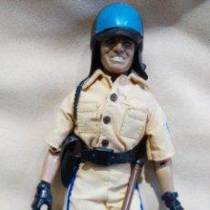 Figuras y Muñecos Mego: ORIGINAL MEGO POLICÍA. Lote 42951992