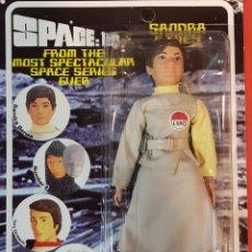 Figuras y Muñecos Mego: SPACE 1999 SANDRA BENES TIPO MEGO. Lote 121640630