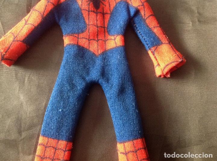 Figuras y Muñecos Mego: Traje clásico Spiderman Mego con una mancha VER FOTOS LEER DESCRIPCIÓN - Foto 4 - 134892830