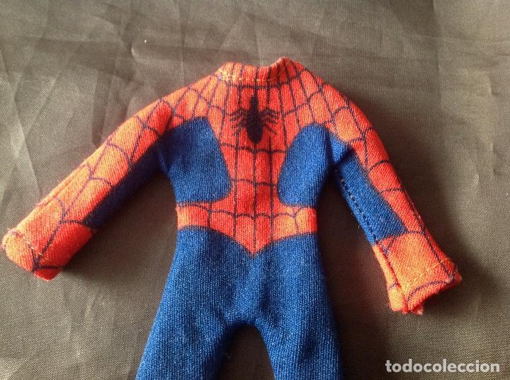 Figuras y Muñecos Mego: Traje clásico Spiderman Mego con una mancha VER FOTOS LEER DESCRIPCIÓN - Foto 5 - 134892830
