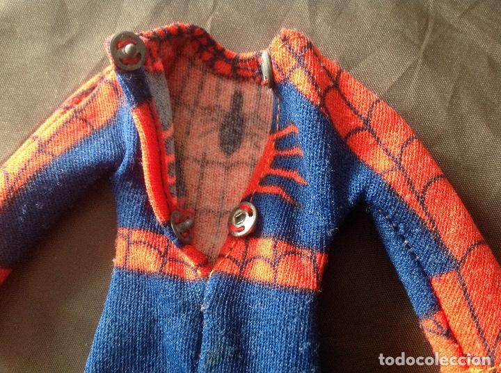 Figuras y Muñecos Mego: Traje clásico Spiderman Mego con una mancha VER FOTOS LEER DESCRIPCIÓN - Foto 7 - 134892830