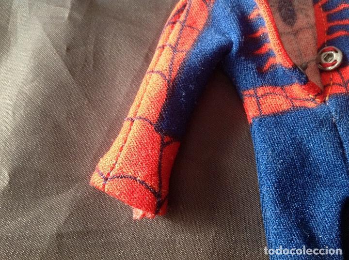 Figuras y Muñecos Mego: Traje clásico Spiderman Mego con una mancha VER FOTOS LEER DESCRIPCIÓN - Foto 9 - 134892830