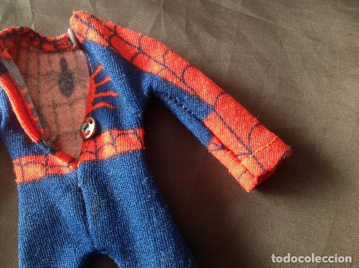 Figuras y Muñecos Mego: Traje clásico Spiderman Mego con una mancha VER FOTOS LEER DESCRIPCIÓN - Foto 10 - 134892830