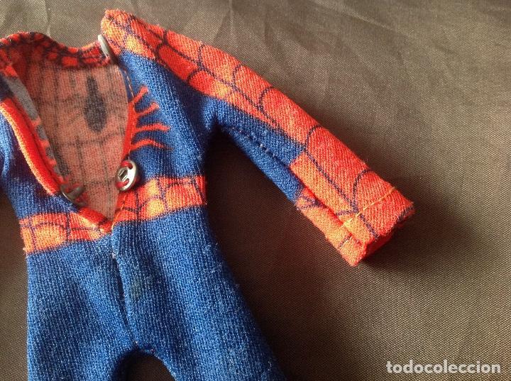 Figuras y Muñecos Mego: Traje clásico Spiderman Mego con una mancha VER FOTOS LEER DESCRIPCIÓN - Foto 11 - 134892830