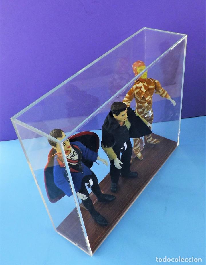 Figuras y Muñecos Mego: Vitrina expositora para muñecos Mego o similares - Foto 4 - 150619918