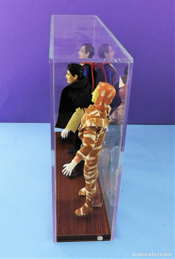 Figuras y Muñecos Mego: Vitrina expositora para muñecos Mego o similares - Foto 5 - 150619918