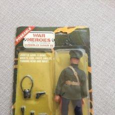 Figuras y Muñecos Mego: LION ROCK WAR HEROES SOLDADO RUSO TAMAÑO MADELAMN. Lote 213625445