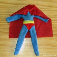 Figuras y Muñecos Mego: MEGO - ANTIGUO TRAJE DEL SUPERMAN - CONSERVA CAPA - AÑOS 70. Lote 284577683