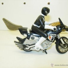 Figuras y Muñecos Power Rangers: FIGURA Y MOTO POWER RANGERS MIGHTY MORPHIN THUNDER BIKE BANDAI 1995. Lote 39363511