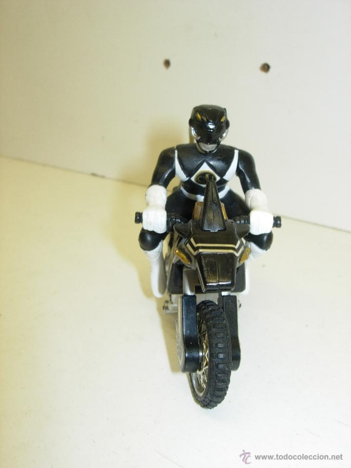 Figuras y Muñecos Power Rangers: Figura y moto POWER RANGERS MIGHTY MORPHIN THUNDER BIKE BANDAI 1995 - Foto 2 - 39363511