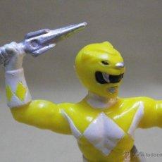 Figuras y Muñecos Power Rangers: FIGURA DE PLASTICO, POWER RANGERS, AMARILLO, BANDAI 1993, 7 CM. Lote 40769014