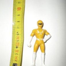 Figuras y Muñecos Power Rangers: MUÑECO POWER RANGERS AMARILLO DE GOMA DURA EN MINIATURA. Lote 41567928