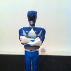 Figuras y Muñecos Power Rangers: ANTIGUO MUÑECO POWER RANGERS, AZUL. CONTIENE CARAMELOS ANISETES. ORIGINAL DE 1993. SIN USAR. Lote 44114365