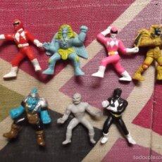 Figuras y Muñecos Power Rangers: LOTE DE 7 FIGURAS DE POWER RANGERS DE BANDAI TIPO KINDER. Lote 150501198