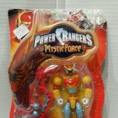 Figuras y Muñecos Power Rangers: POWER RANGERS MYSTIC FORCE. ROJO FUEGO DRAGON. MORPHMAX DE BATALLA. 12 CM. NUEVO EN BLISTER. BANDAI.. Lote 75269678