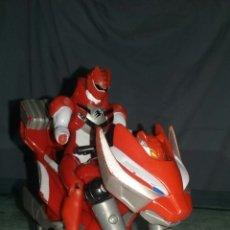 Figuras y Muñecos Power Rangers - Power Ranger Rojo en moto transformable - 98412816