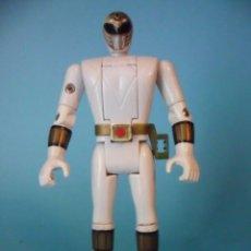 Figuras y Muñecos Power Rangers: MIGHTY MORPHIN POWER RANGERS TOMMY BLANCO AUTO MORPHIN FIGURA DE 14 CM BANDAI 1993. Lote 101911931