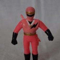 Figuras y Muñecos Power Rangers: FIGURA DE GOMA POWER RANGER ROSA BANDAI 1993. Lote 104768895