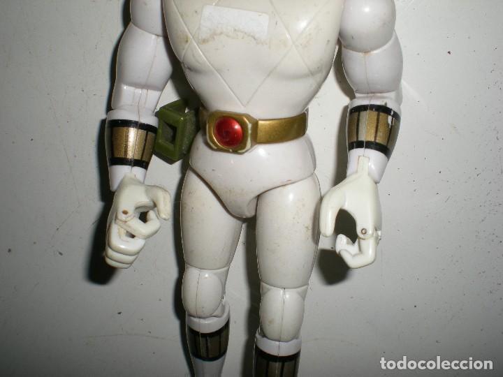 Figuras y Muñecos Power Rangers: ANTIGUO POWER RANGERS BLANCO TOTALMENTE ARTICULADO 21 cm AÑO 93 BANDAI ,ARTICULACIONES FUERTES - Foto 4 - 107751279