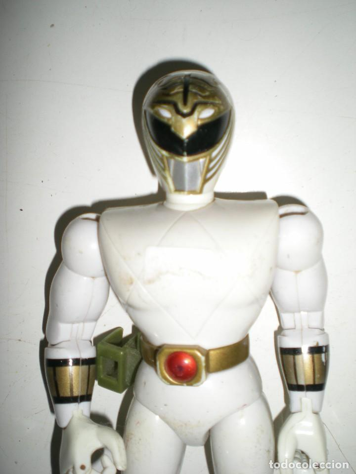 Figuras y Muñecos Power Rangers: ANTIGUO POWER RANGERS BLANCO TOTALMENTE ARTICULADO 21 cm AÑO 93 BANDAI ,ARTICULACIONES FUERTES - Foto 6 - 107751279