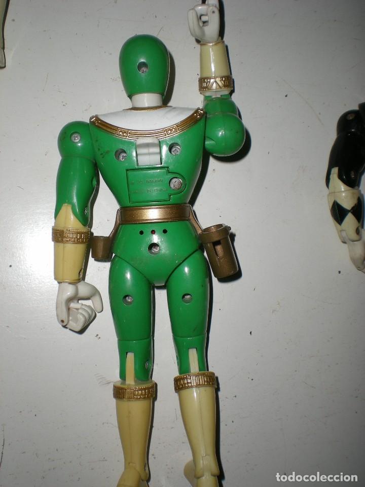 Figuras y Muñecos Power Rangers: ANTIGUO POWER RANGERS VERDE TOTALMENTE ARTICULADO 21 cm AÑO 96 BANDAI ,ARTICULACIONES FUERTES - Foto 3 - 121943475