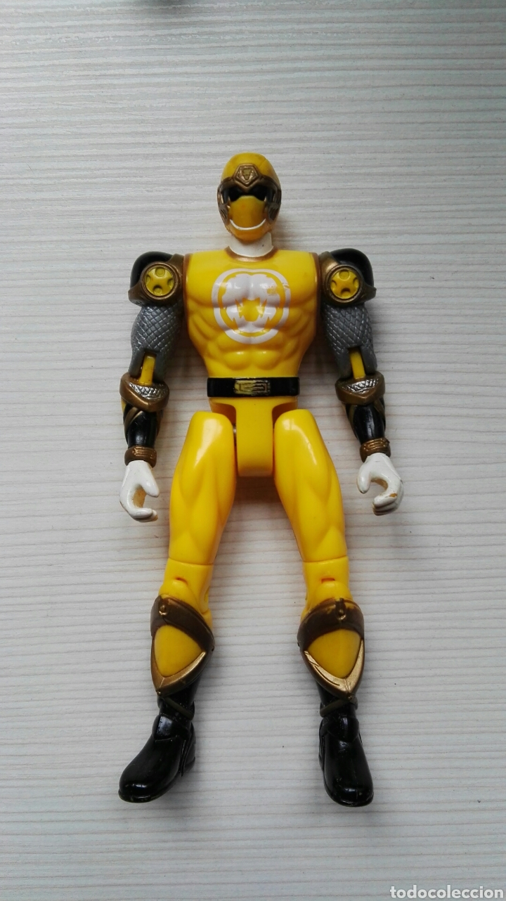 POWER RANGERS BANDAI 2002 AMARILLO (Juguetes - Figuras de Acción - Power Rangers)