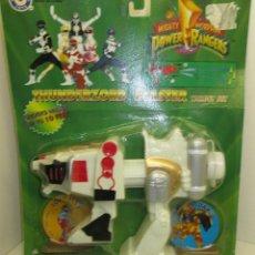 Figuras y Muñecos Power Rangers: PISTOLA DE AGUA / VEHÍCULO THUNDERZORD BLASTER POWER RANGERS, PLACO TOYS 1994 SABAN. Lote 121915159
