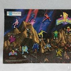 Figuras y Muñecos Power Rangers: COLECCIÓN COMPLETA DE PIN POWER RANGERS EN SU EXPOSITOR ORIGINAL. Lote 131326486